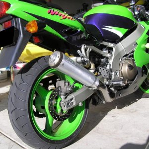 ZX-9r with slip on exhaust by SuperTrapp