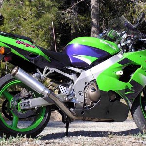 ZX-9r after not going easy on her