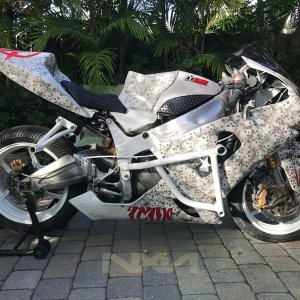 WAR MACHINE stunt bike build zx6r